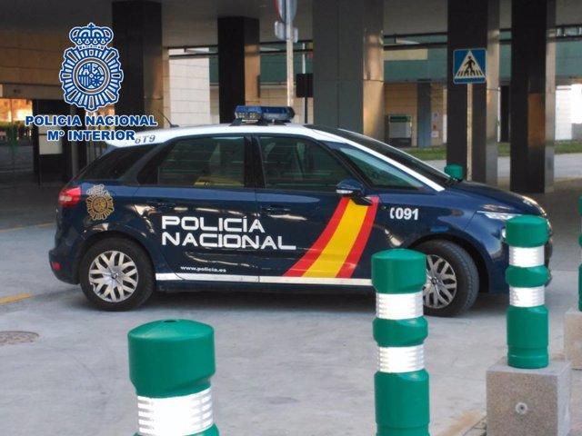 Imagen de recurso de un coche patrulla de la Policia Nacional.