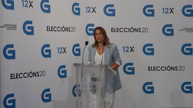 La candidata a la Presidencia de la Xunta de Ciudadanos, Beatriz Pino, llega al debate televisivo a siete organizado por la radiotelevisión gallega (CRTVG), el único debate electoral programado en la campaña, en Santiago de Compostela, A Coruña