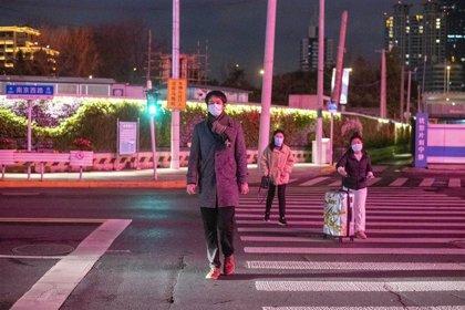 Pekín registra siete casos más mientras el primer contagiado del nuevo rebrote sale del hospital