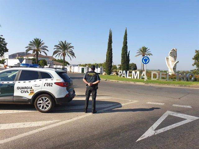 Una patrulla de la Guardia Civil en Palma del Río