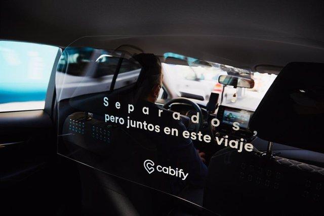 Cabify instala mamparas en sus VTCs