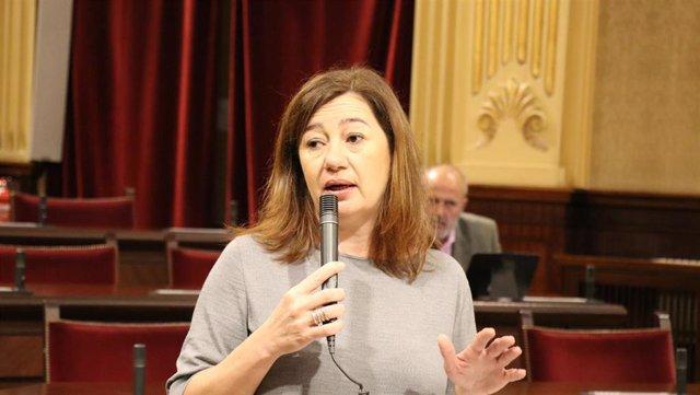 La presidenta del Govern, Francina Armengol, en el pleno del Parlament, en una imagen de mayo.