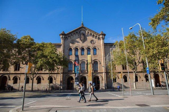 Edificio de la Universidad de Barcelona (Archivo)