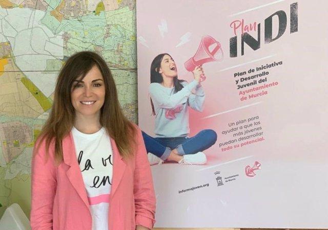 La concejala de Movilidad Sostenible y Juventud del Ayuntamiento de Murcia, Rebeca Pérez, presenta el Plan INDI