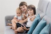 Foto: Del tele-cole a la niñera de las pantallas