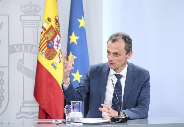 El ministro de Ciencia e Innovación, Pedro Duque, durante la comparecencia en rueda de prensa posterior al Consejo de Ministros celebrado en Moncloa este martes 30 de junio de 2020