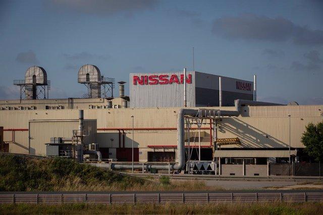 Exterior de la fábrica de Nissan en la Zona Franca de Barcelona