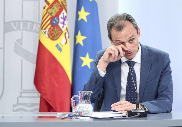 El ministro de Ciencia e Innovación, Pedro Duque, durante la comparecencia de este martes en rueda de prensa posterior al Consejo de Ministros celebrado en Moncloa