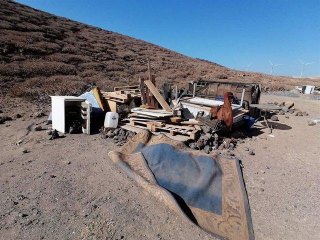 Abren un expediente de sanción al camping ilegal de Abades (Tenerife) por vertid