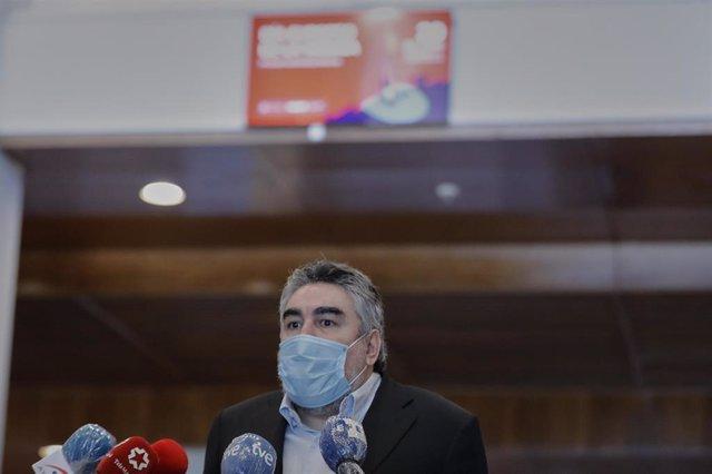 El ministro de Cultura y Deporte, José Manuel Rodríguez Uribes responde a los medios durante la visita al Instituto Nacional de las Artes Escénicas y de la Música (INAEM) con motivo de la celebración del Día Europeo de la Música.