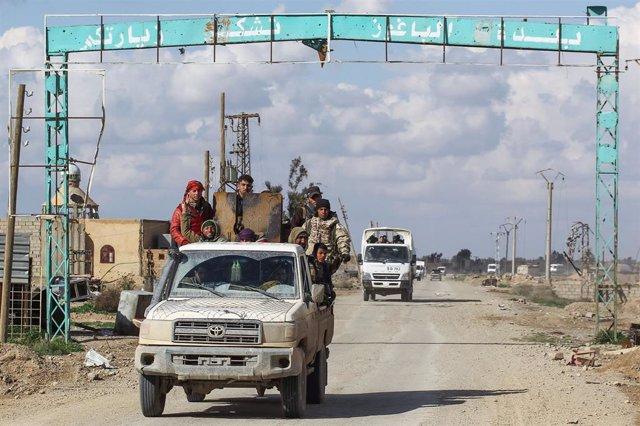 Combatientes de las FDS cerca de Baghuz