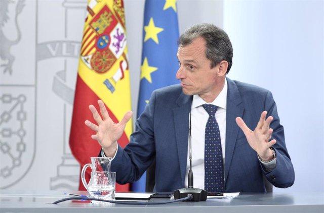 El ministro de Ciencia e Innovación, Pedro Duque, durante la rueda de prensa posterior al Consejo de Ministros celebrado en Moncloa de este martes 30 de junio