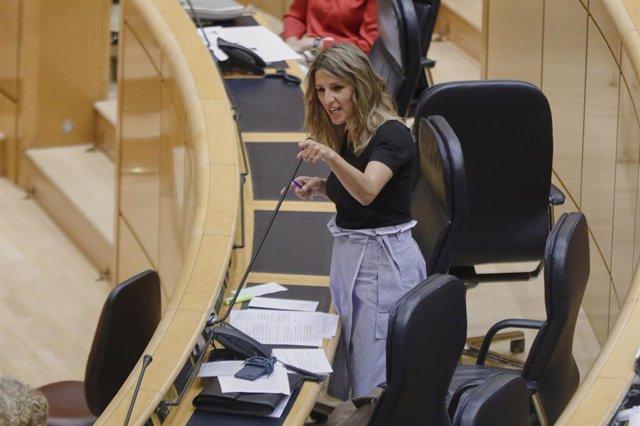 La Ministra de Trabajo y Economía Social, Yolanda Díaz, durante su intervención en una sesión plenaria en el Senado