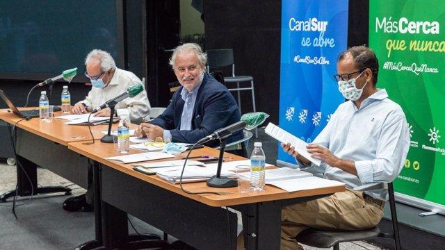El director general de la RTVA, Juan de Dios Mellado, presenta la programación de verano de Canal Sur TV.