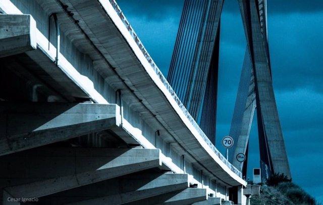 Puente Internacional sobre el Guadiana entre Ayamonte (Huelva) y el Algarve portugués.
