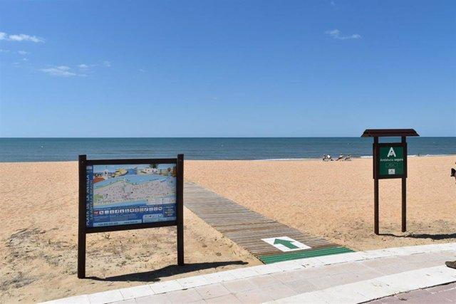 La playa lepera de La Antilla (Huelva) este martes.