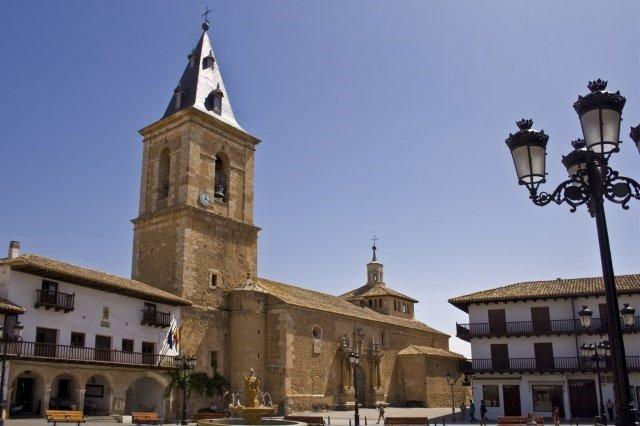 Plaza Mayor de Tarazona de la Mancha (Albacete).