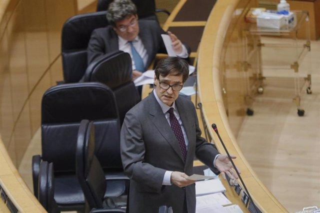 El Ministro de Sanidad, Salvador Illa, durante su intervención en una sesión plenaria en el Senado centrada en el debate con el Ejecutivo central en los rebrotes de Covid-19 surgidos en las últimas fechas en España, los Expedientes de Regulación Temporal