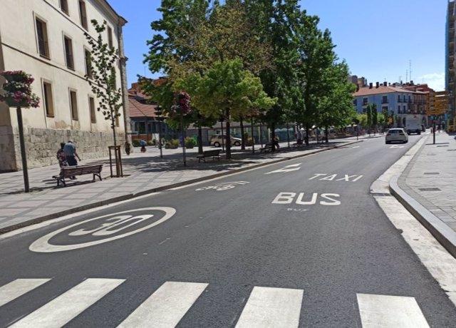Imagen de la nueva señalización en la plaza de la Rinconada.