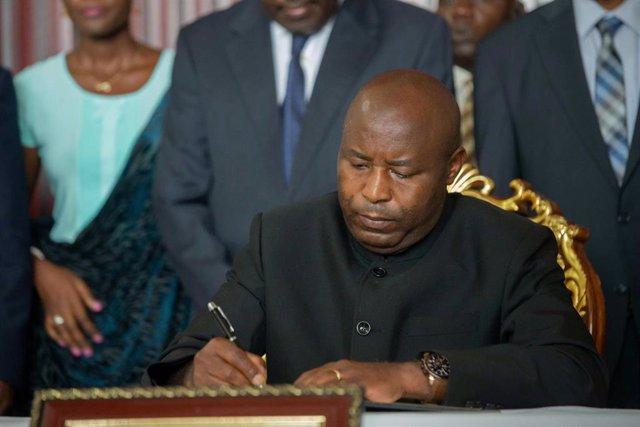 Evariste Ndayishimiye , nuevo presidente de Burundi