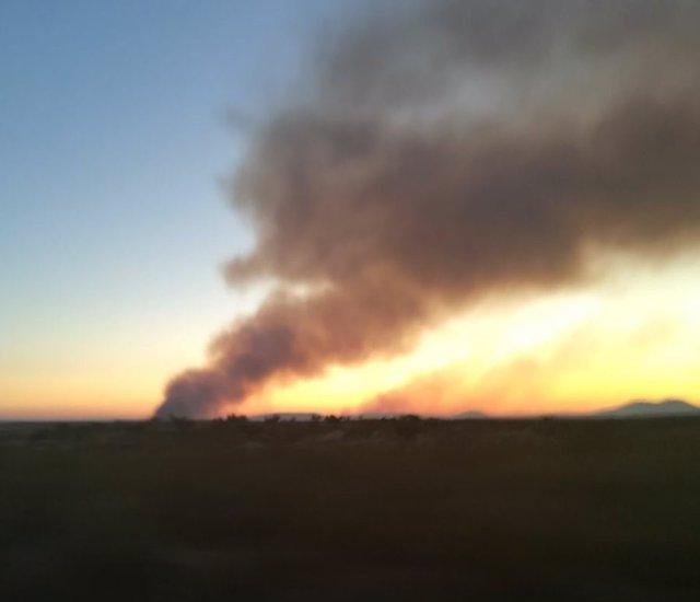 Imagen del incendio declarado en Monfortinho (Portugal) y que ha afectado a Zarza la Mayor (Cáceres)