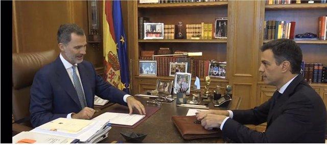AMP.- Felipe VI y Sánchez participan en Badajoz en el acto de reapertura de fron