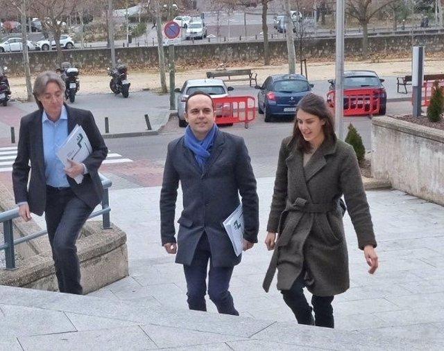 Los ediles de Más Madrid Rita Maestre, José Manuel Calvo y Marta Higueras.