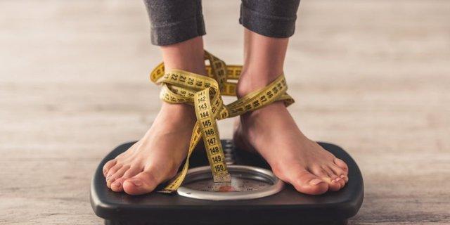 Báscula. Control del peso. Dieta