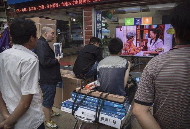 EEUU/China.- China ordena a cuatro medios más de Estados Unidos que desvelen sus
