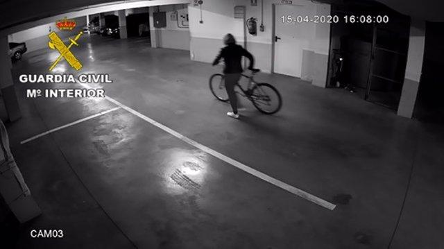 La Guardia Civil detiene a 2 personas por 17 robos en viviendas y establecimientos en Tomelloso