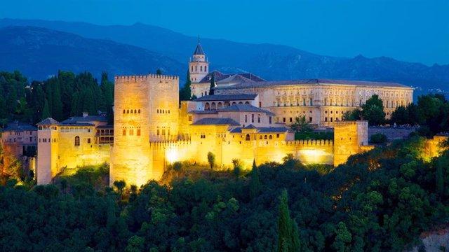 Alhambra de Granada de noche