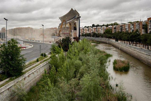 Vistas generales de la última pared que sigue en pie del estado Vicente Calderón