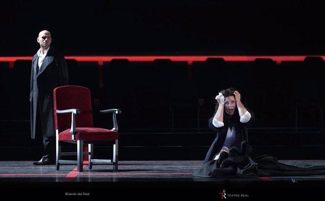 El Teatro Real de Madrid ha reabierto sus puertas este miércoles, 1 de julio, con una versión de concierto semiescenificada de 'La Traviata' de Giuseppe Verdi. Imagen del foso