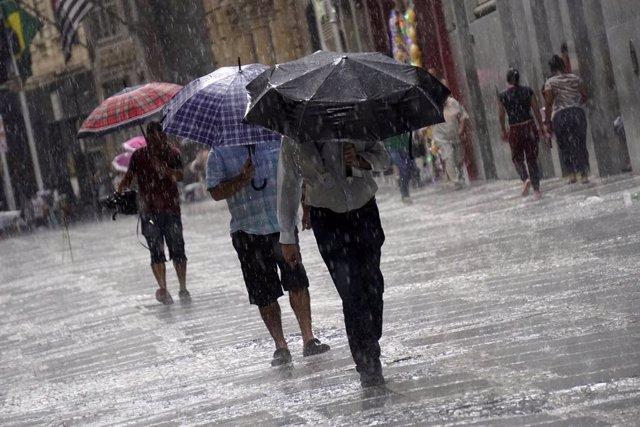Brasil.- Una tormenta tropical deja una decena de muertos y provoca un fuerte ap