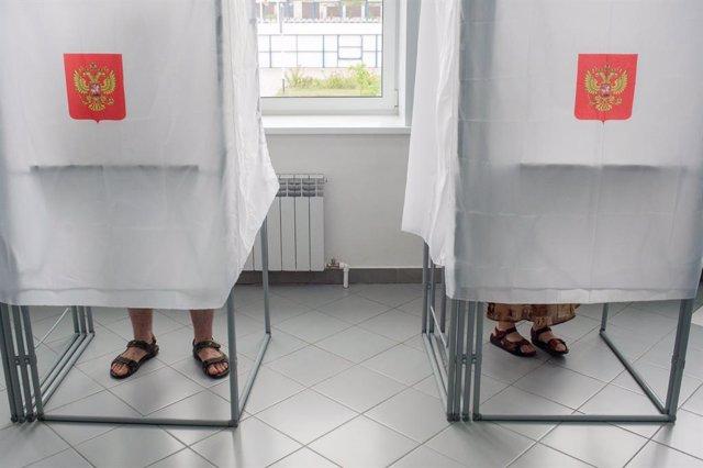 AMP.- Rusia.- Los primeros resultados señalan la aprobación de las reformas cons