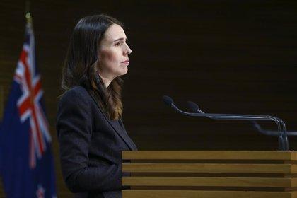 """El ministro de Salud de Nueva Zelanda dimite para """"no distraer"""" en la lucha contra el coronavirus"""