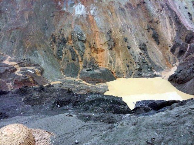 Colapso en una mina de jade en el estado de Kachin, en Birmania, en mayo de 2016.