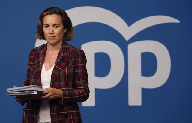 La vicesecretaria de Política Social del PP, Cuca Gamarra, momentos antes de ofrecer una rueda de prensa en la sede nacional del partido.