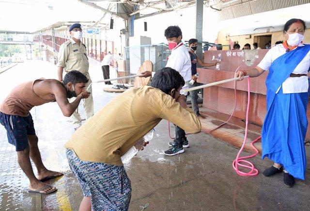 Coronavirus.- India sobrepasa los 600.000 casos de COVID-19 tras sumar más de 19