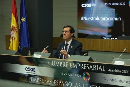 CEOE pide planes sectoriales de reactivación de la actividad y el consumo, sobre todo en el turismo