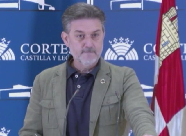 El coordinador del área de Medio Ambiente del Grupo Socialista en las Cortes, José Luis Vázquez.