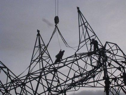 La demanda eléctrica amortiguó su desplome (-8,5%) en junio, en plena fase final de la desescalada