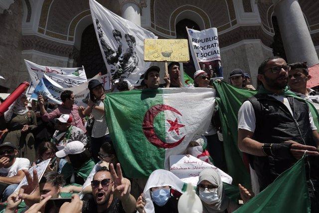 Argelia.- Un tribunal de Argel autoriza la libertad provisional de Karim Tabu, u