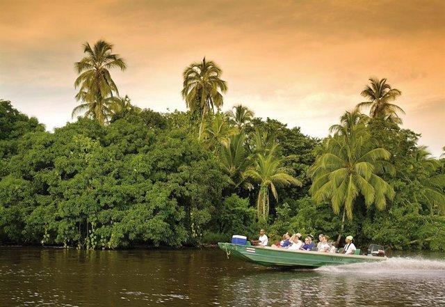 Costa Rica reabrirá sus fronteras al turismo internacional a partir del 1 de agosto
