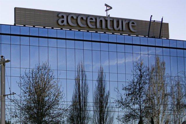 R.Unido.- Accenture despedirá hasta a 900 empleados en Reino Unido