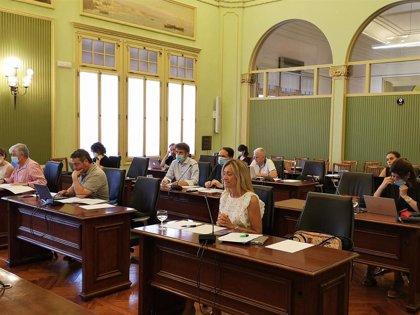 El Parlament insta al Govern a incluir en los convenios colectivos cláusulas de conciliación familiar y laboral