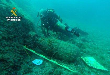 Un pescador encuentra una carga explosiva antisubmarinos en la bahía de Palma