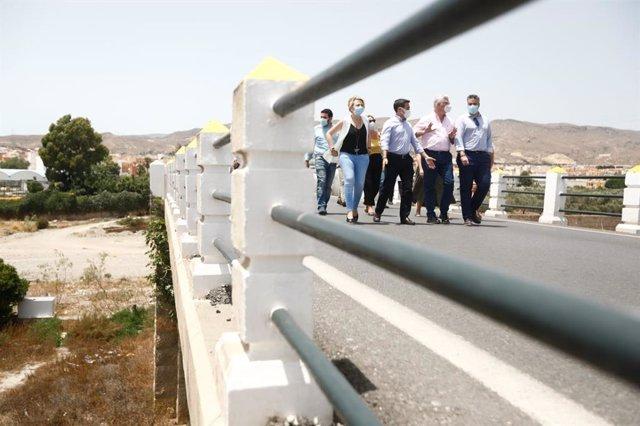 Visita al puente que une las localidades de Huércal y Viator
