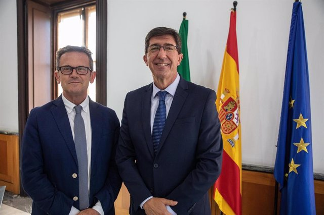 El delegado de Justicia de la Junta en Granada, Gustavo Rodríguez, junto al consejero del ramo y vicepresidente del Gobierno andaluz, Juan Marín.