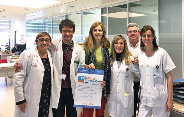 El equipo de enfermería de salud mental del Parc Sanitari Sant Joan de Déu con la acreditación Libera-Dignos
